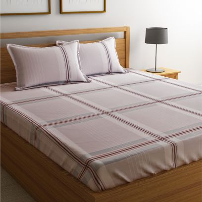 Beige and White Classic Plaid Checks Print Bedsheet with Pillow Covers