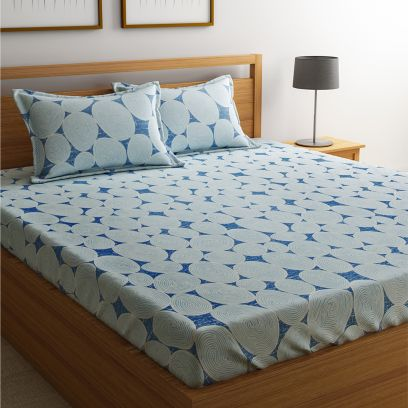 Blue and Turquoise Classic Abstract Circle Print Bedsheet with Pillow Covers