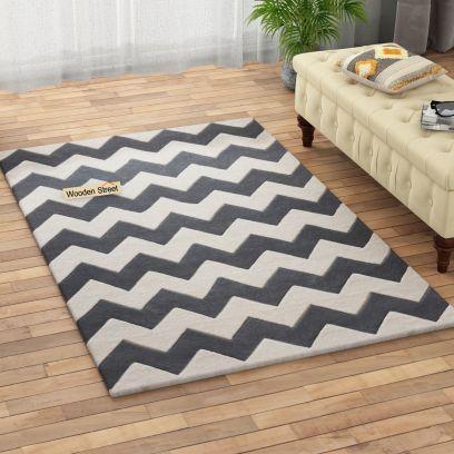 Chevron Geometric Pattern Hand Tufted Woolen Carpet - 6 x 4 Feet