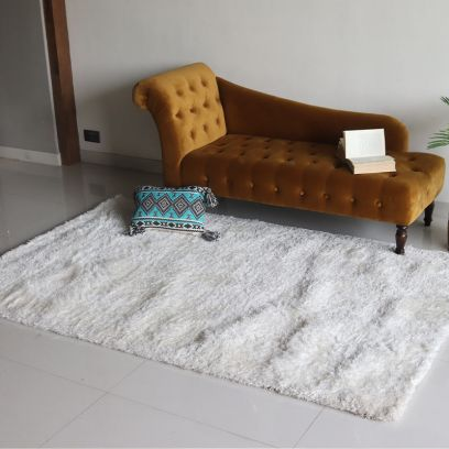 Ivory Soft Shaggy Carpet - 8 x 5 Feet