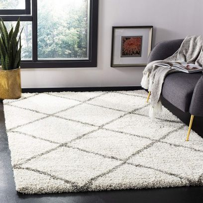Off-White Microfiber Handwoven Shaggy Carpet - 6 x 4 Feet