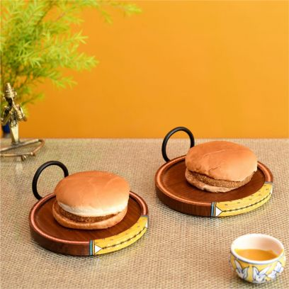 Brown Ringo Round Shape Snack Tray With Metal Handles - Set of 2