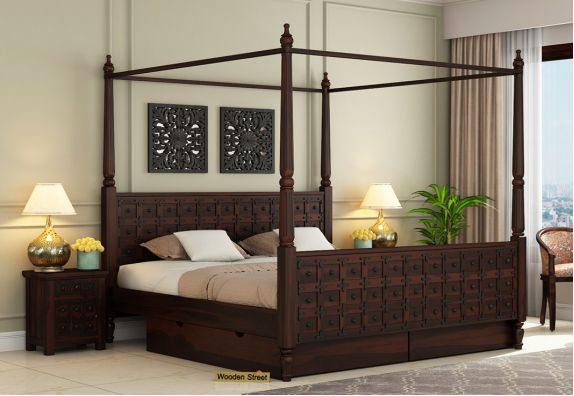 Four-Poster Bed With Storage
