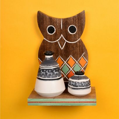 Natural Brown Owl Shelf With Two Handicraft Pots